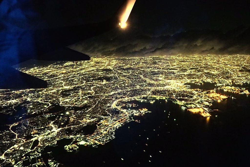 飛行機から眺める横浜の夜景
