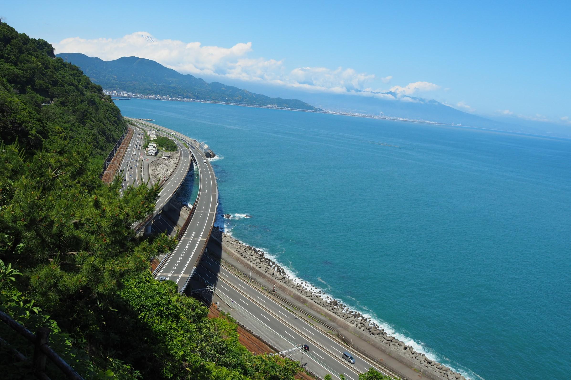 薩埵峠と富士山と駿河湾