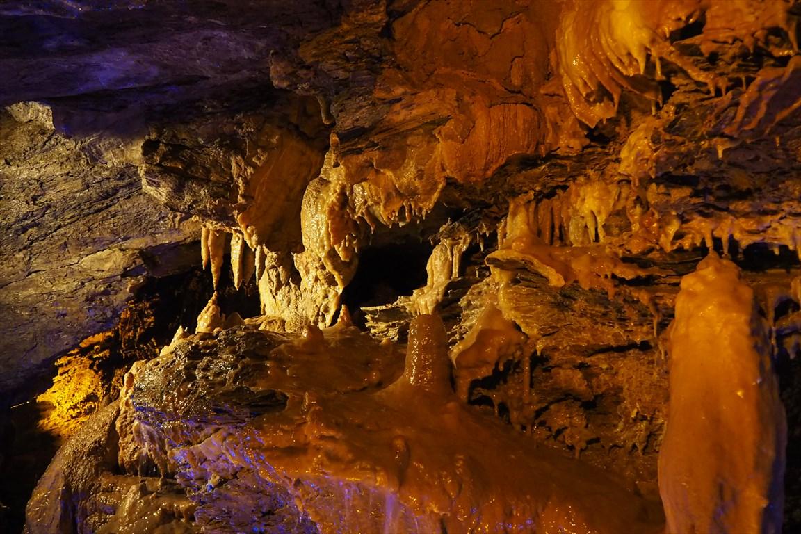 竜ヶ岩洞つらら石