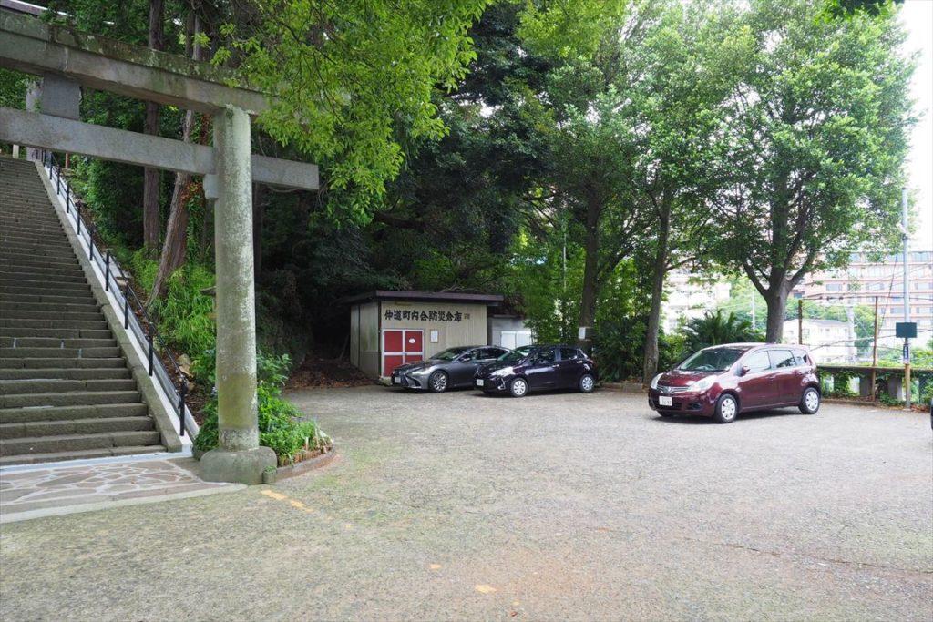 伊豆山神社駐車場