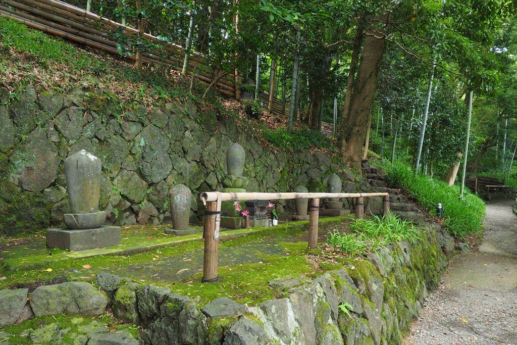 白隠禅師の墓